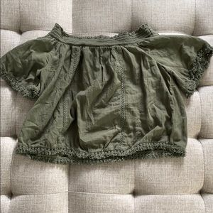 Light and cute aerie top green size medium